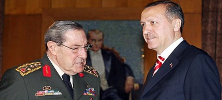 Ο Ερντογάν εκβίαζε τον στρατηγό Μπουγιούκανιτ με ρόζ DVD