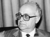 Ρήξη-κέλευθα: Ο Γ. Καραμπελιάς συνομιλεί με τον Μ. Μερακλή (20-4-09)