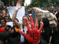 Μεξικό: Μια δολοφονία έβαλε φωτιά στη χώρα