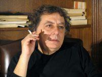 Συζήτηση: Ο Γιώργος Καραμπελιάς συνομιλεί με τον Διονύση Χαριτόπουλο (27-4-15)
