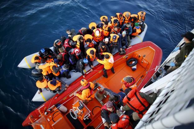 Πρόσφυγες και τουρκικοί τσαμπουκάδες στο Αιγαίο