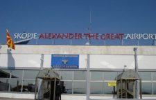 Αγάλματα φεύγουν, η σκληρή γραμμή επιστρέφει – Το αεροδρόμιο των Σκοπίων παραμένει «Μέγας Αλέξανδρος»