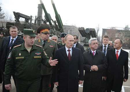 Από τη Σούδα στην Αρμενία: Ένα πολύτιμο δίδαγμα για τις βάσεις των Μεγάλων Δυνάμεων...